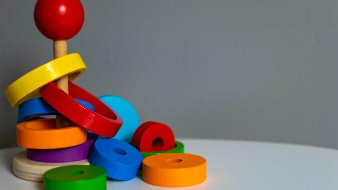 Spielzeug aus Holz